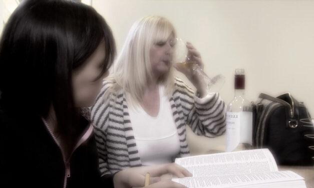 Alkoholizm. Sprawdź, dokąd w UK udać się po pomoc!