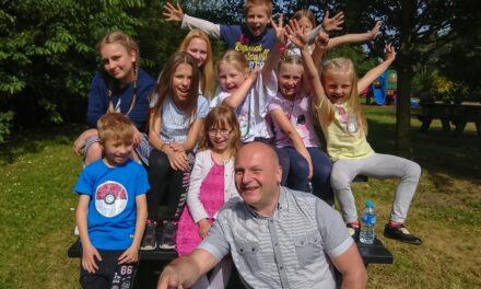 """Dzieci z Hull zdominowały konkurs """"Wierszowisko"""" w Londynie!"""